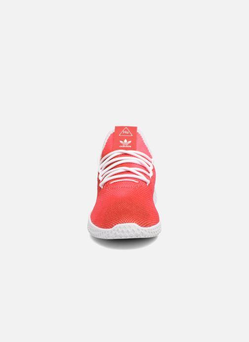 Baskets adidas originals Pharrell Williams Tennis Hu J Rouge vue portées chaussures