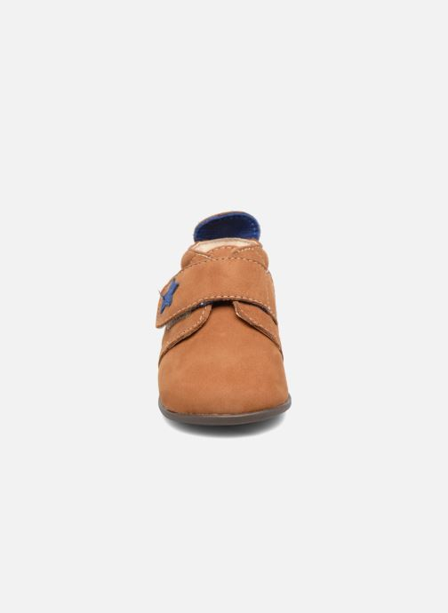 Chaussons Bopy Pavel Marron vue portées chaussures