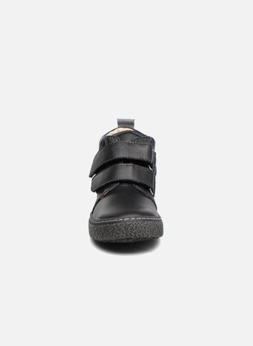 Sneakers Bopy Vlaise Nero modello indossato
