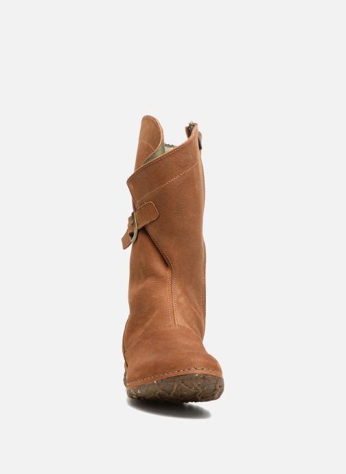 Bottes El Naturalista Angkor N916 Marron vue portées chaussures