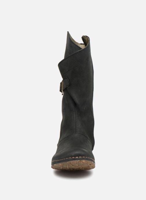Bottes El Naturalista Angkor N916 Noir vue portées chaussures