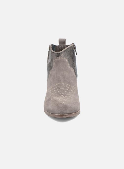 Bottines et boots Kaporal Nayade Gris vue portées chaussures