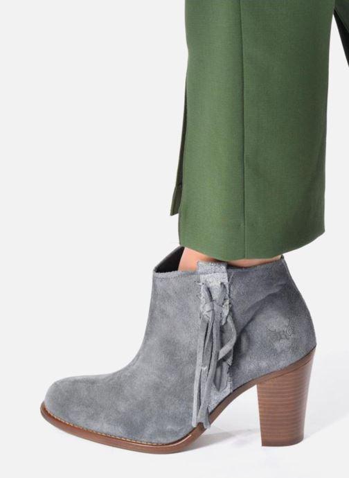 Bottines et boots Kaporal Texane Gris vue bas / vue portée sac