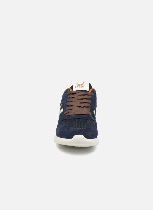 Sneakers Kaporal Kafka Azzurro modello indossato