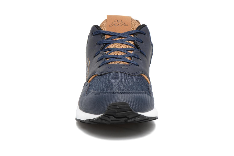 Sneakers Kappa Cartago Azzurro modello indossato