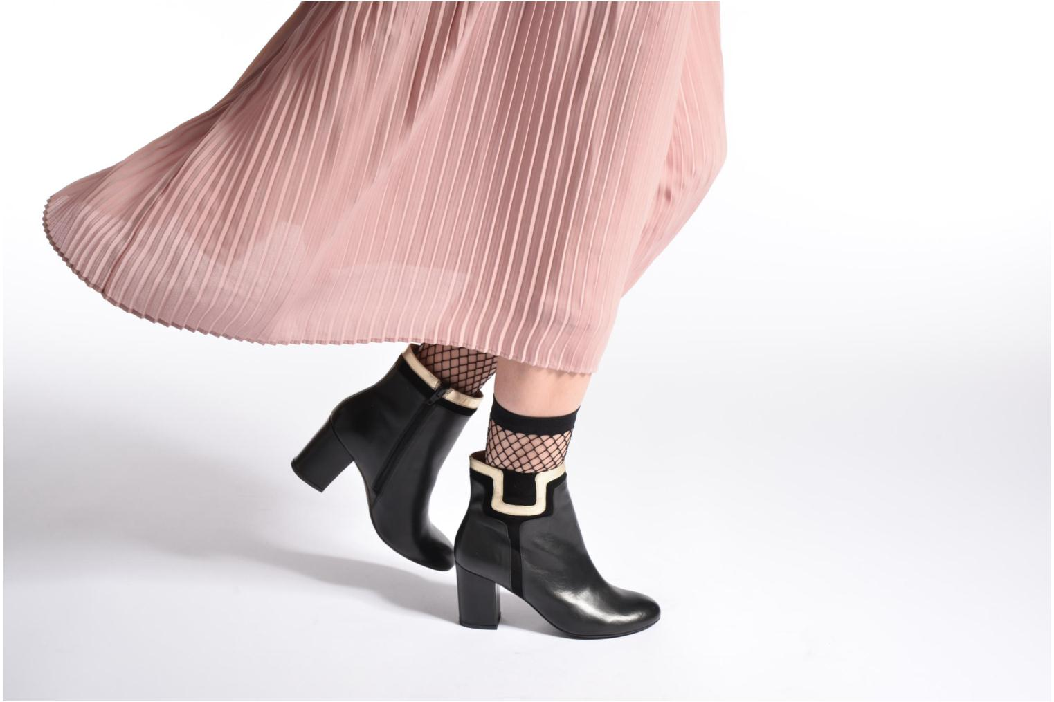 Ankle boots Made by SARENZA Boots Camp #10 Black view from underneath / model view