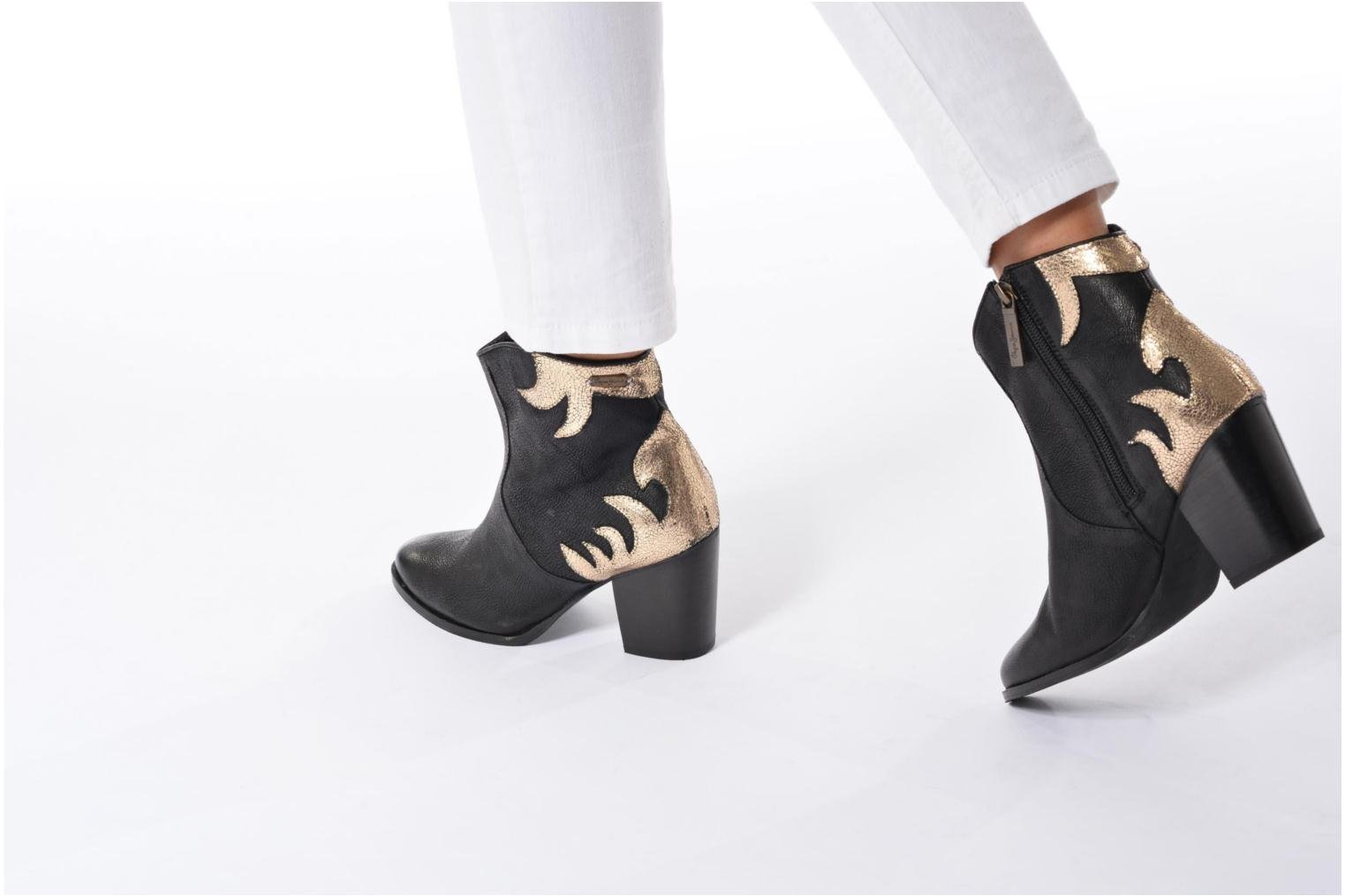 Ankle boots Pepe jeans DOLLY BURN Black view from underneath / model view