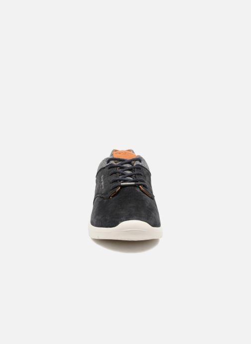 Baskets Pepe jeans JAYDEN SUEDE Bleu vue portées chaussures