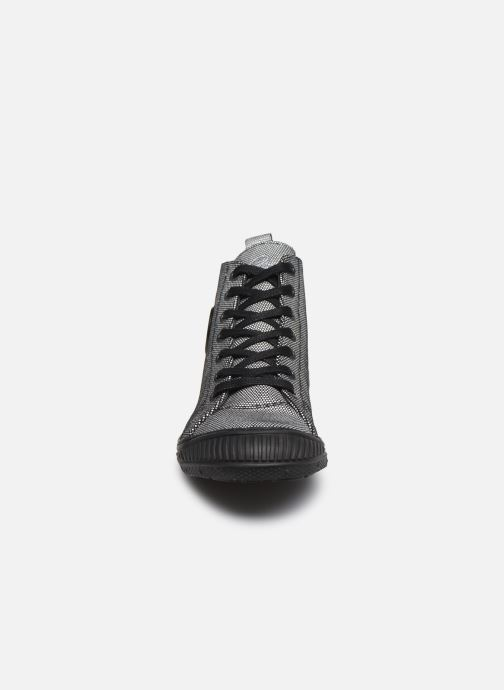 Baskets Pataugas Rocker 2 Argent vue portées chaussures