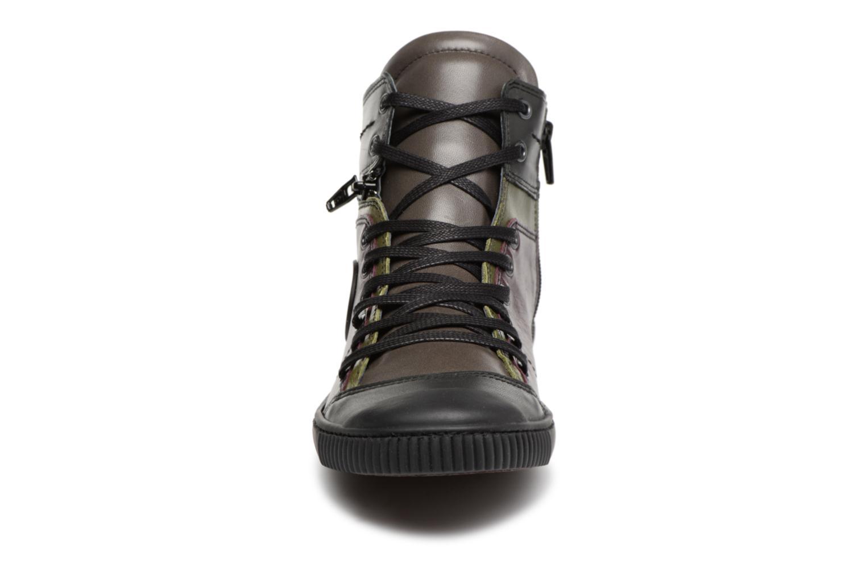Baskets Pataugas Banjou/Mc Violet vue portées chaussures
