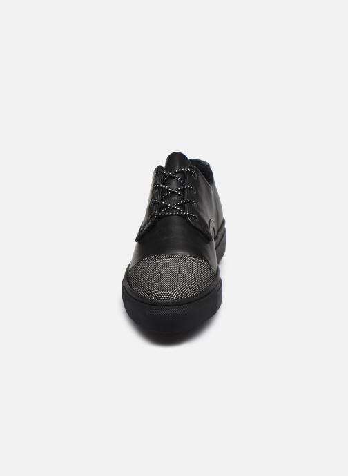 Zapatos con cordones Pataugas Yak Negro vista del modelo