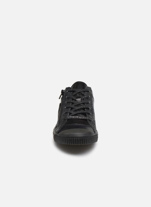 Sneakers Pataugas Bisk S Nero modello indossato