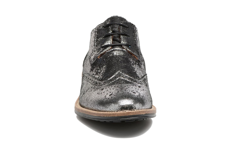 Chaussures à lacets Schmoove Woman Newton perfo Diamond Argent vue portées chaussures