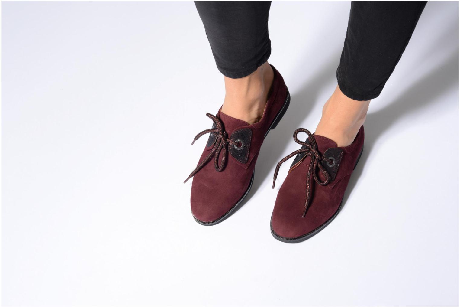 Lace-up shoes Armistice Hero one Brown view from underneath / model view
