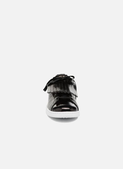 Sneakers Victoria Deportivo Flecos Espejo Nero modello indossato