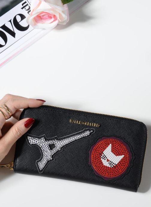 Petite Maroquinerie KARL LAGERFELD Paris Zip Wallet Noir vue bas / vue portée sac