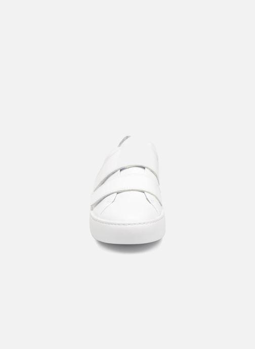 Baskets Vagabond Shoemakers Zoe 4426-101 Blanc vue portées chaussures
