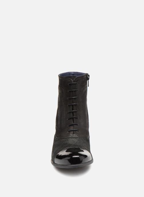 Bottines et boots Dorking Brisda 7255 Noir vue portées chaussures