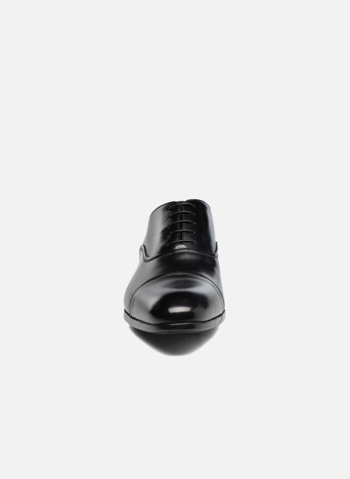 Chaussures à lacets Doucal's Oscar Noir vue portées chaussures
