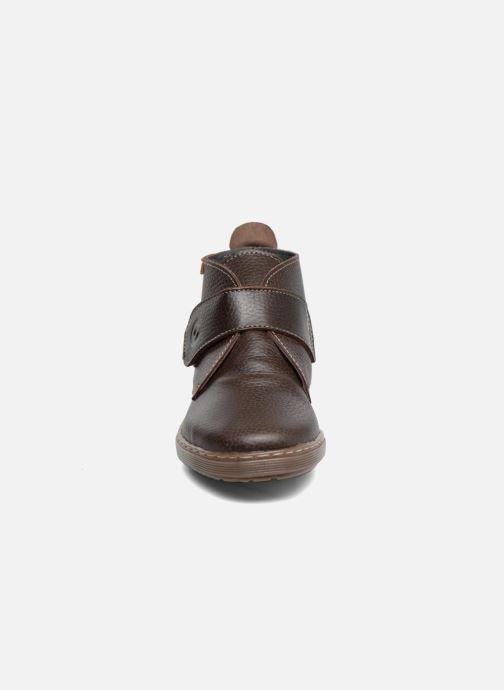 Zapatos con velcro Conguitos Juan Marrón vista del modelo