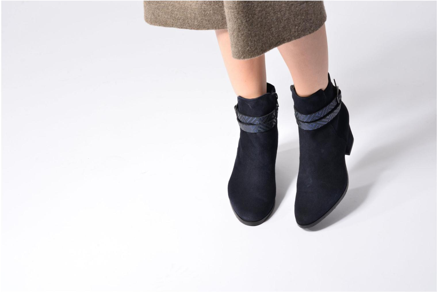 Ankle boots Tamaris Diningal Blue view from underneath / model view