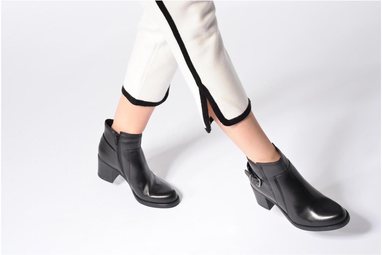 Bottines et boots Tamaris Elwé Noir vue bas / vue portée sac