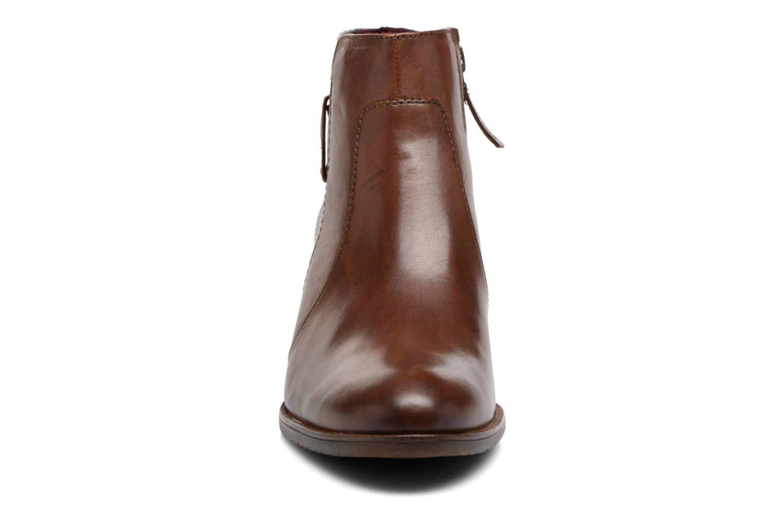 Bottines et boots Tamaris Gilgalad Marron vue portées chaussures