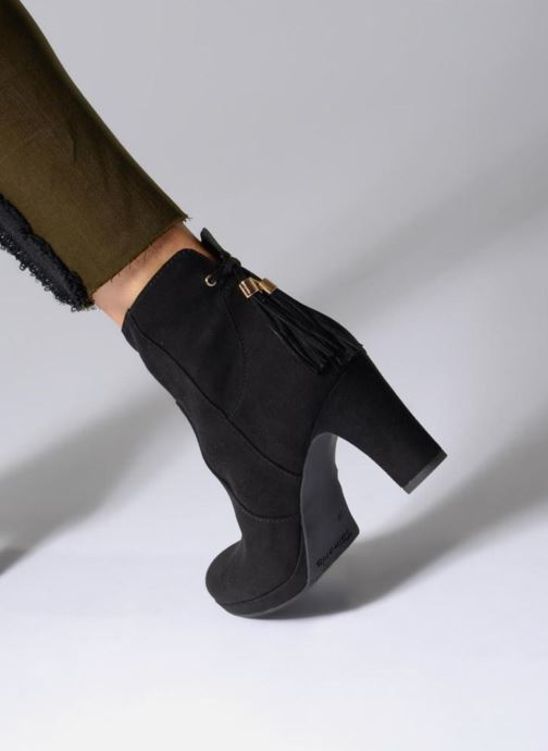 Ankle boots Tamaris Ancala Black view from underneath / model view