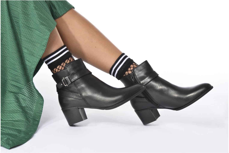 Bottines et boots Tamaris Ciryan Noir vue bas / vue portée sac