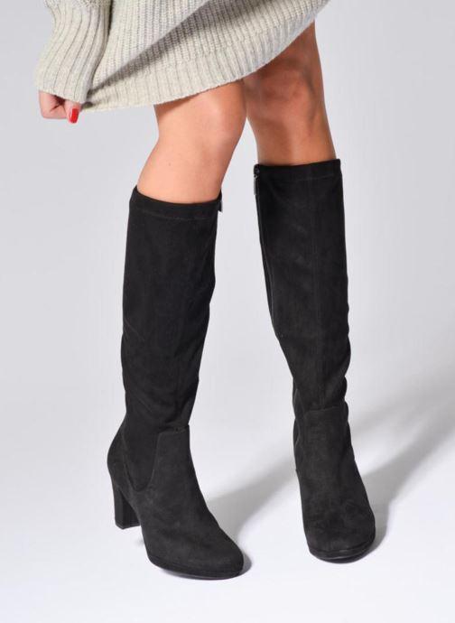Stiefel Tamaris Finwe schwarz ansicht von unten / tasche getragen