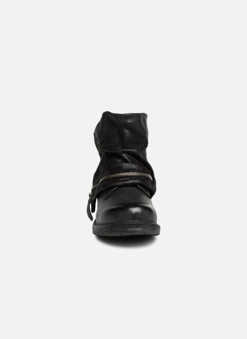 Boots en enkellaarsjes Dockers Neele Zwart model