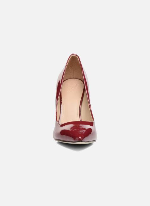 Escarpins Guess BAYAN 7 Rouge vue portées chaussures
