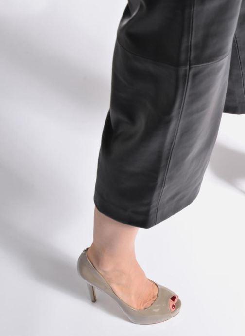 Zapatos de tacón Guess HADIE 6 Beige vista de abajo