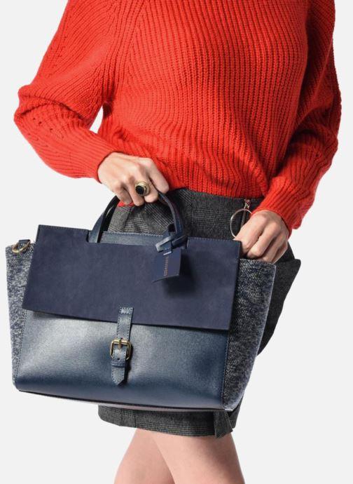 Sacs à main COSMOPARIS Porté main Melina Laine Bleu vue bas / vue portée sac
