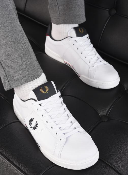 Sneaker Fred Perry B722 Leather weiß ansicht von unten / tasche getragen