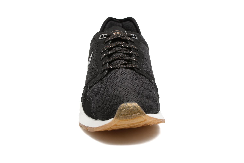 Baskets Le Coq Sportif LCS R9XT Noir vue portées chaussures