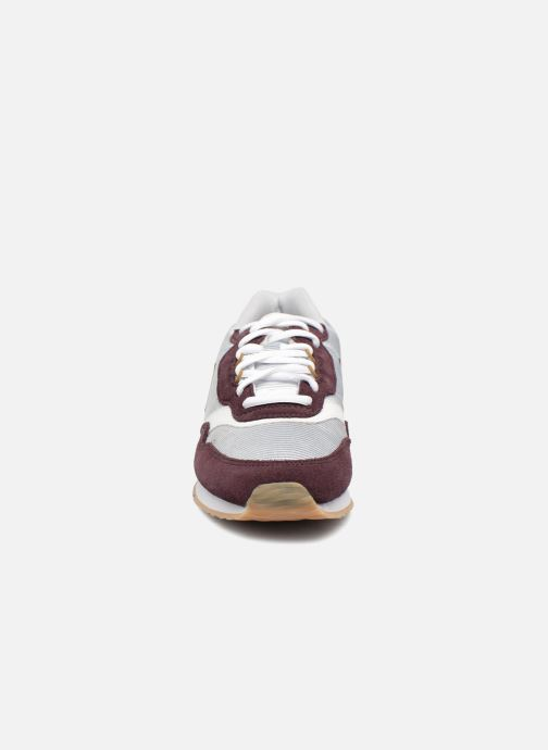 Trainers Le Coq Sportif Louise Brown model view