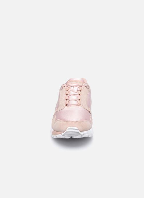 Sneakers Le Coq Sportif Omega W Rosa modello indossato