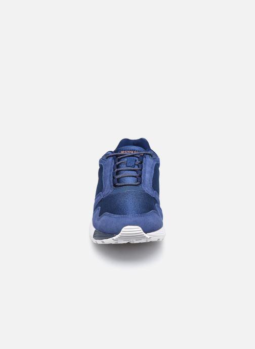 Sneakers Le Coq Sportif Omega W Azzurro modello indossato