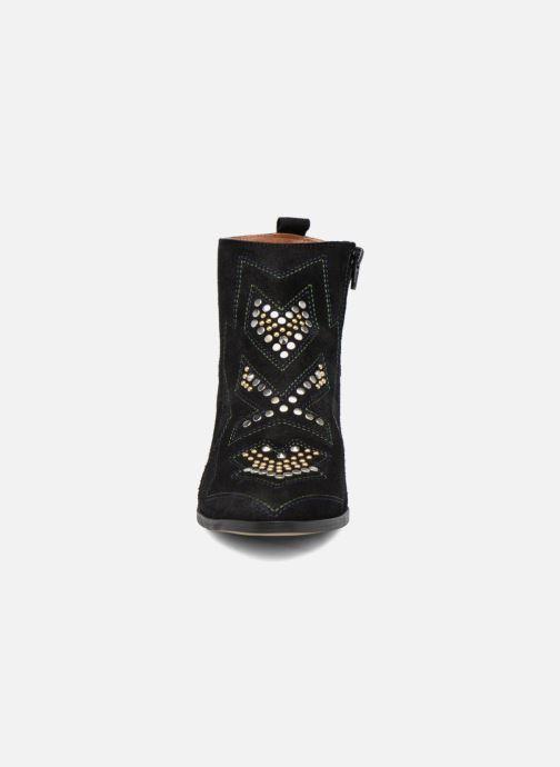 Bottines et boots Bullboxer Bretale Noir vue portées chaussures