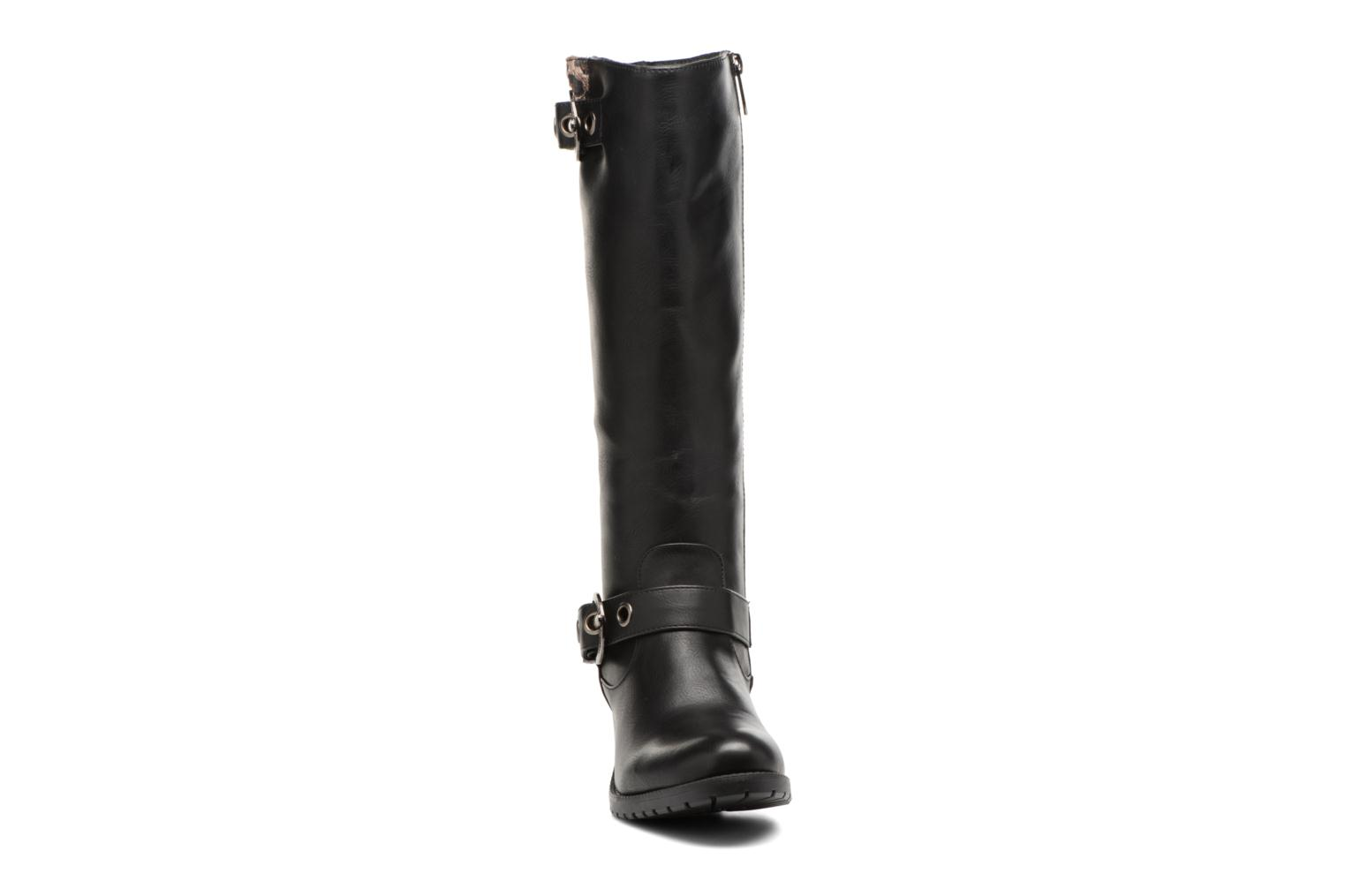 Boots & wellies Les P'tites Bombes Gaelle Black model view