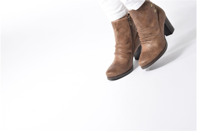 Bottines et boots Les P'tites Bombes Claire Marron vue bas / vue portée sac