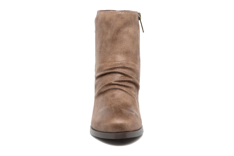 Bottines et boots Les P'tites Bombes Claire Marron vue portées chaussures