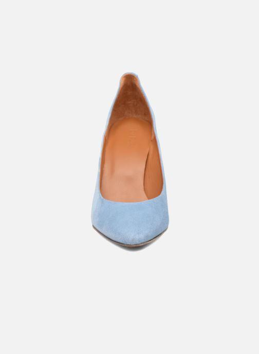 Escarpins BY FAR Niki Pump Bleu vue portées chaussures