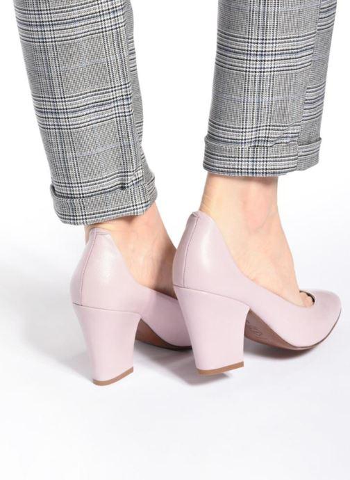 High heels BY FAR Niki Pump Purple view from underneath / model view