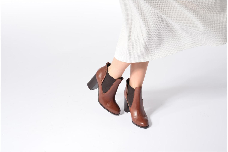 Bottines et boots Georgia Rose Aclous Marron vue bas / vue portée sac