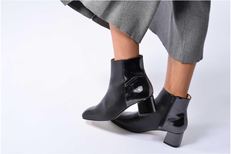 Bottines et boots Georgia Rose Serpenta Noir vue bas / vue portée sac