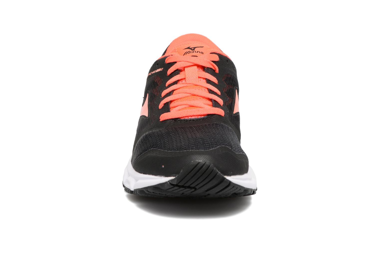 Chaussures de sport Mizuno MIZUNO SYNCHRO MD 2 (W) Noir vue portées chaussures