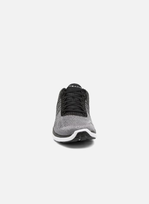 Chaussures de sport Under Armour Threadborne Fortis Gris vue portées chaussures