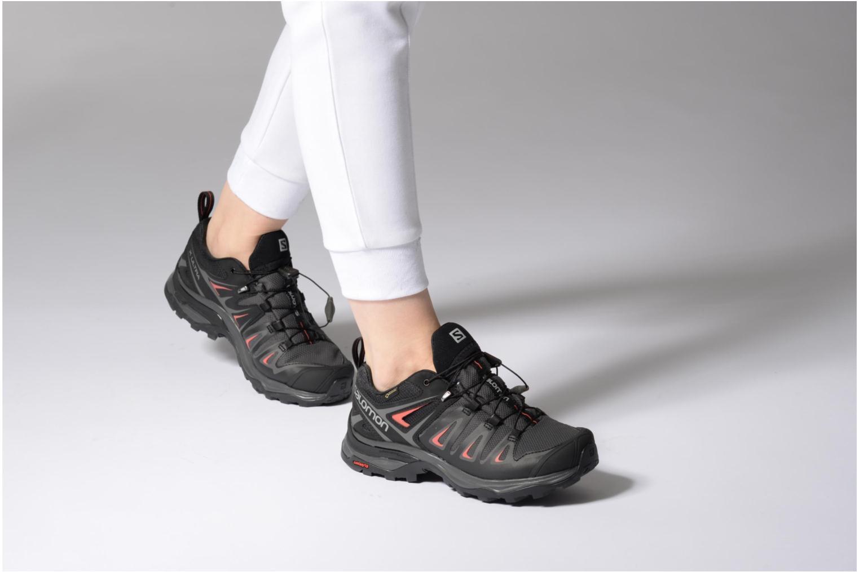 Chaussures de sport Salomon X Ultra 3 Gtx W Noir vue bas / vue portée sac